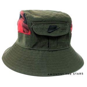 Nike Army Green & Red Plaid Pocket Bucket Hat D.Y.